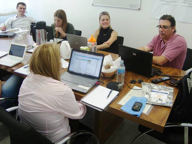 INCTECh participa de treinamento de software