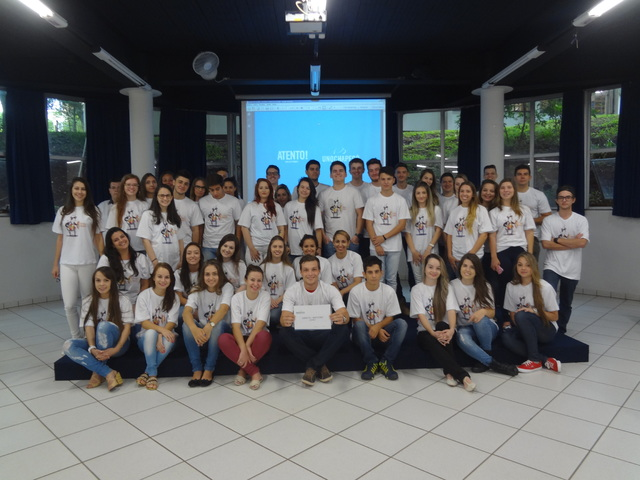 Projeto Metamorfose - Projeto de Acolhida ao Calouro 2016/1