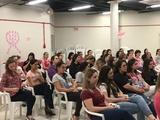 <p>A programação especial teve roda de conversa para falar sobre a saúde mamária, duas funcionárias contaram sua experiência com a doença. O Dr. Marcelo Moreno e a psicóloga Raquel Buss foram mediadores no evento.</p>
