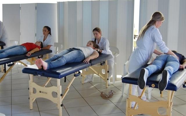 <p>Uma massagem relaxante foi oferecida para as mulheres da institui&ccedil;&atilde;o.&nbsp;</p>