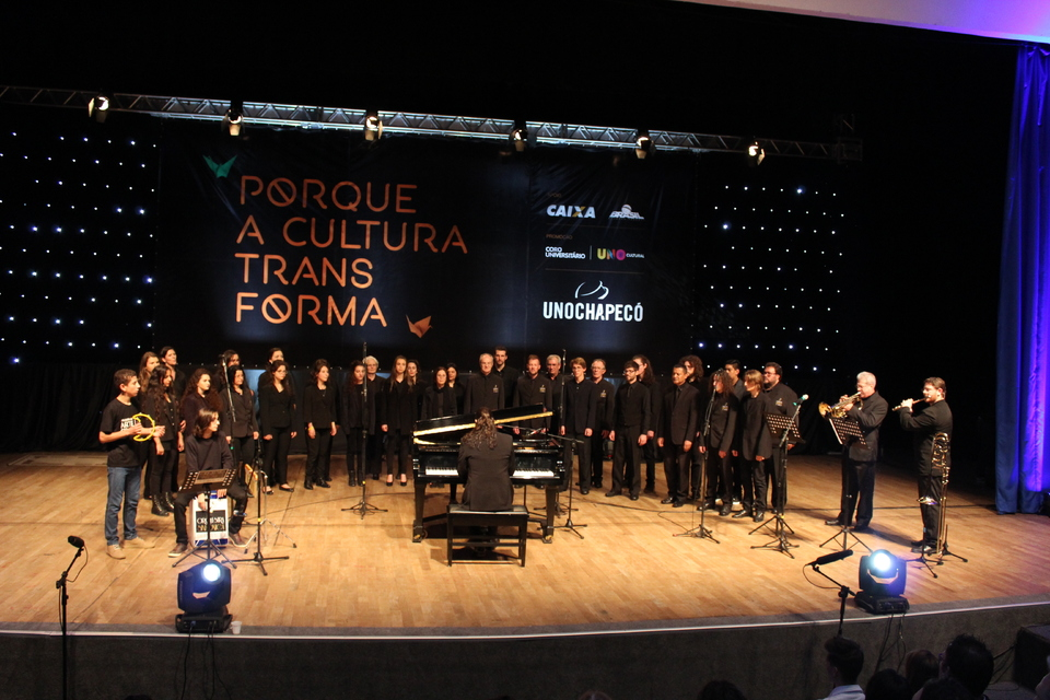 <p>Coro da Orquestra Sinfônica de Chapecó</p>