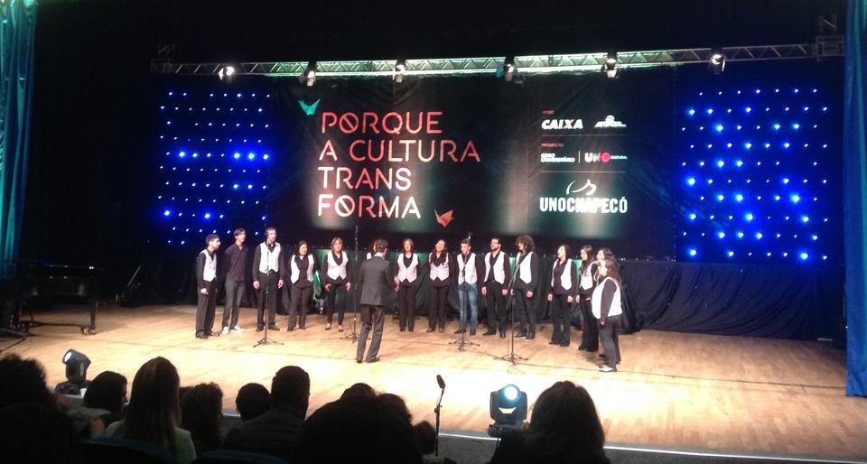 <p>Coro Municipal Campos de Palmas - PR</p>