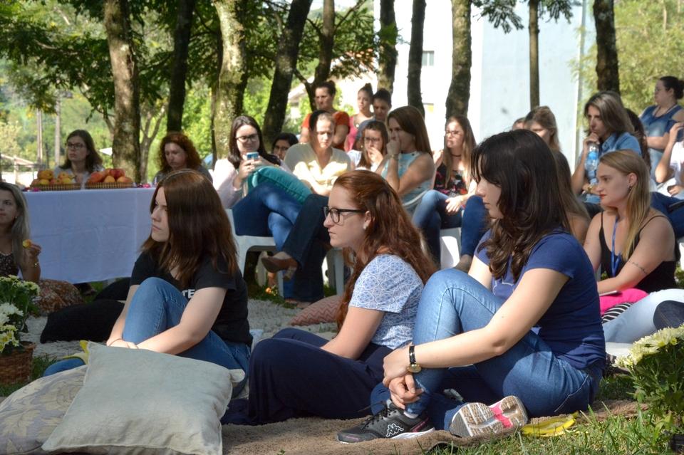 <p>No Dia Internacional da Mulher, a Unochapecó reuniu suas colaboradoras para uma roda de conversa sobre elas</p>