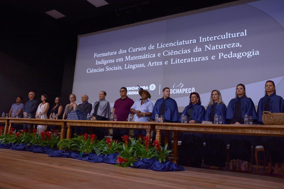 <p>Formatura aconteceu na última sexta-feira (08/03) na Unochapecó</p>