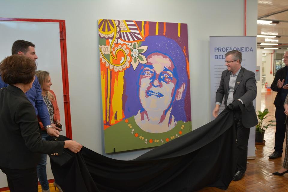 <p>No dia (06/08) a Unochapecó realizou a cerimônia de nomeação da Biblioteca e homenagem in memoriam à professora Oneida Belusso.</p>