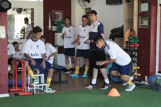 5bad6d1f75 Montamos um grupo bem qualificado para disputar a Liga Catarinense 16 e o  Estadual de Futsal Sub-17 e também esperamos representar Chapecó na Olesc