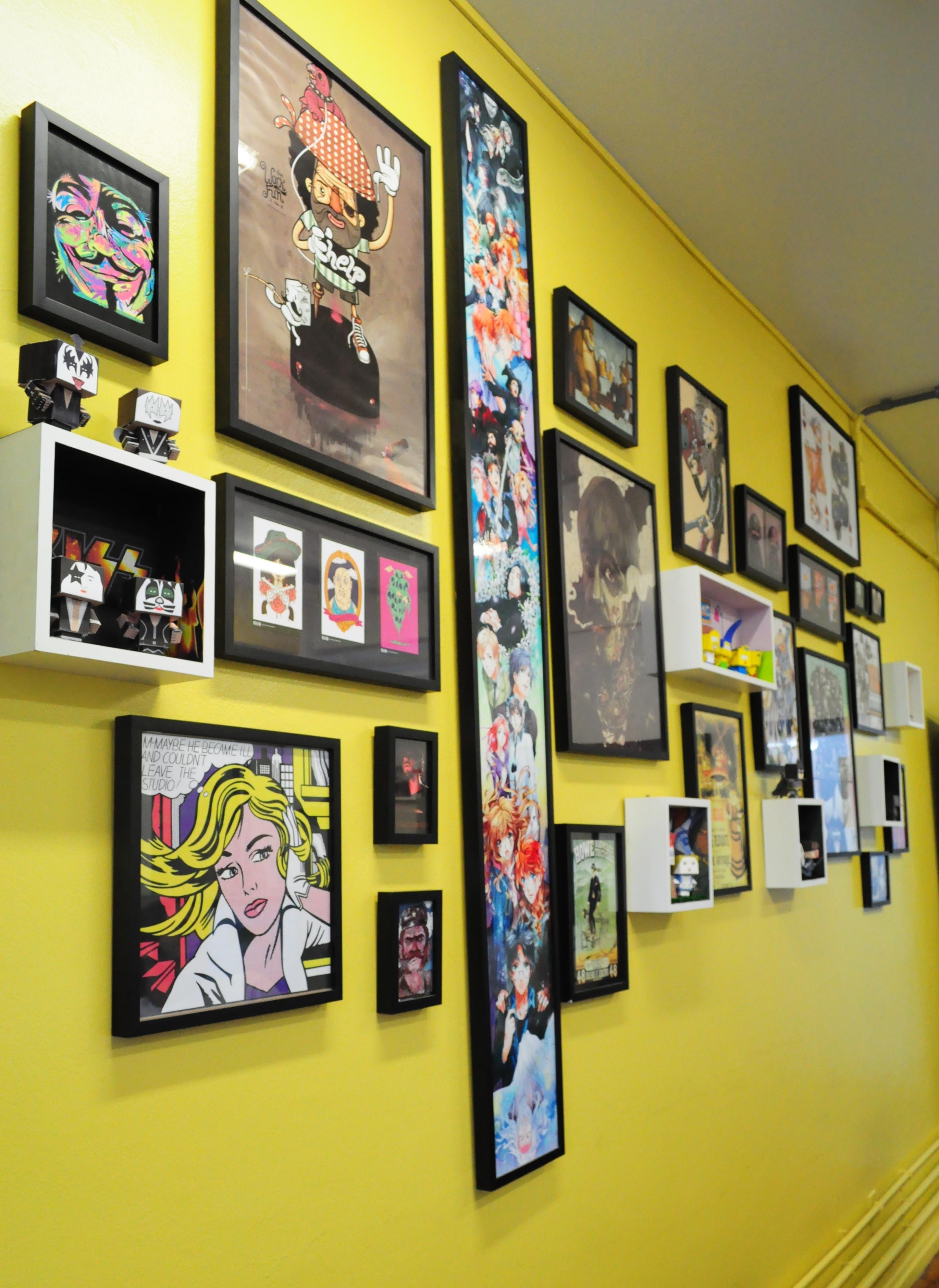 Muito mais do que parede exposi o de arte for Colocar papel mural