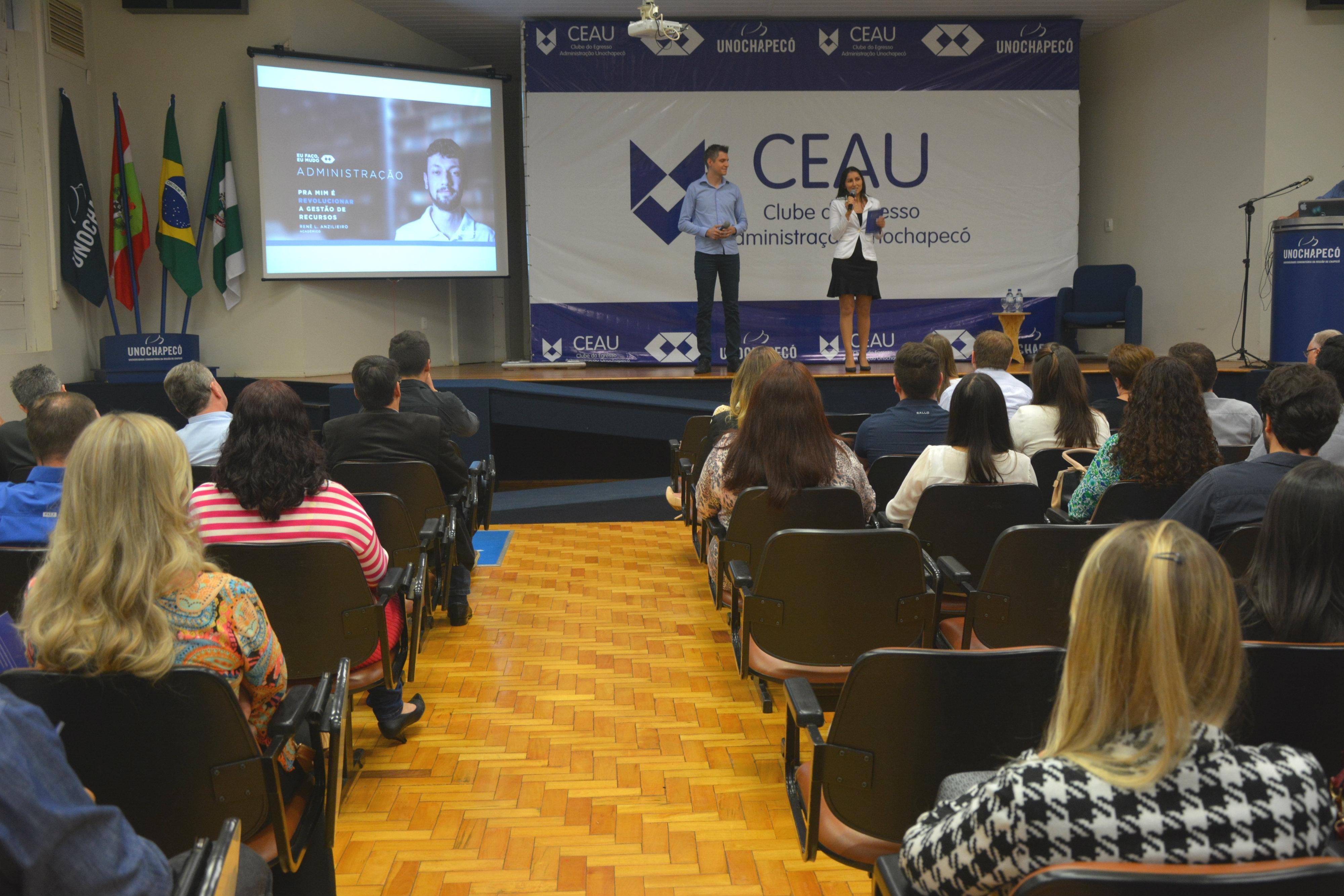 Clube do Egresso ADM oferece vantagens aos ex-alunos do curso