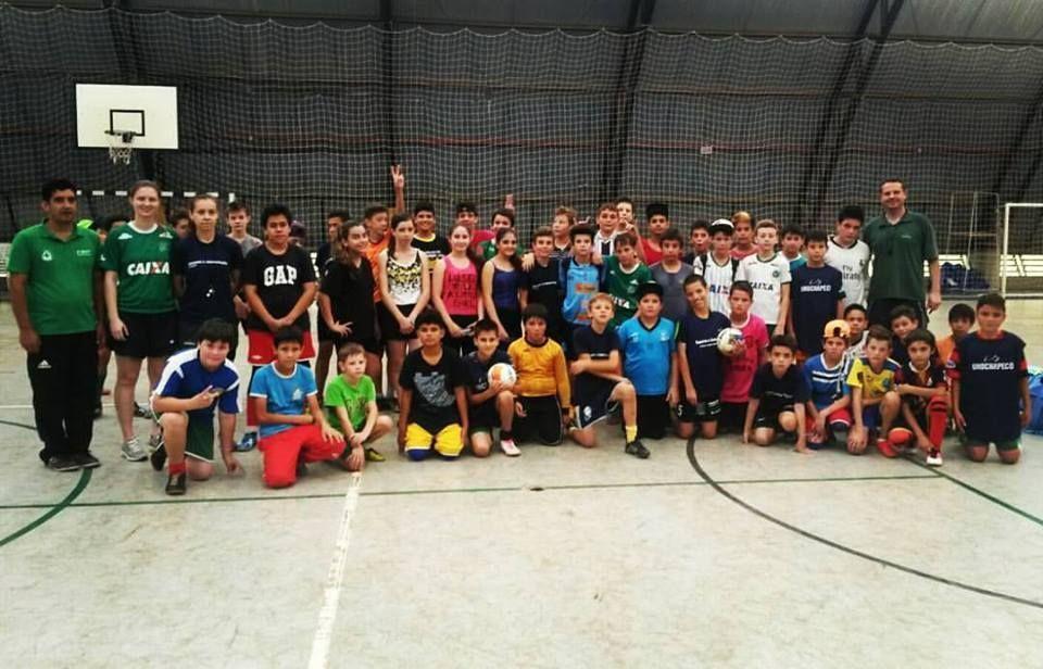 Projeto aproxima comunidade e universidade através do esporte