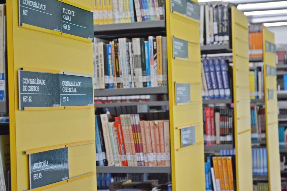 Dia do Bibliotecário é comemorado com atividades especiais na Uno