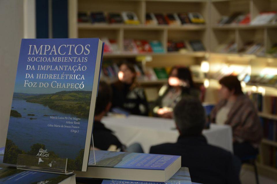 Argos realiza conversa com autores sobre os impactos das Hidrelétricas