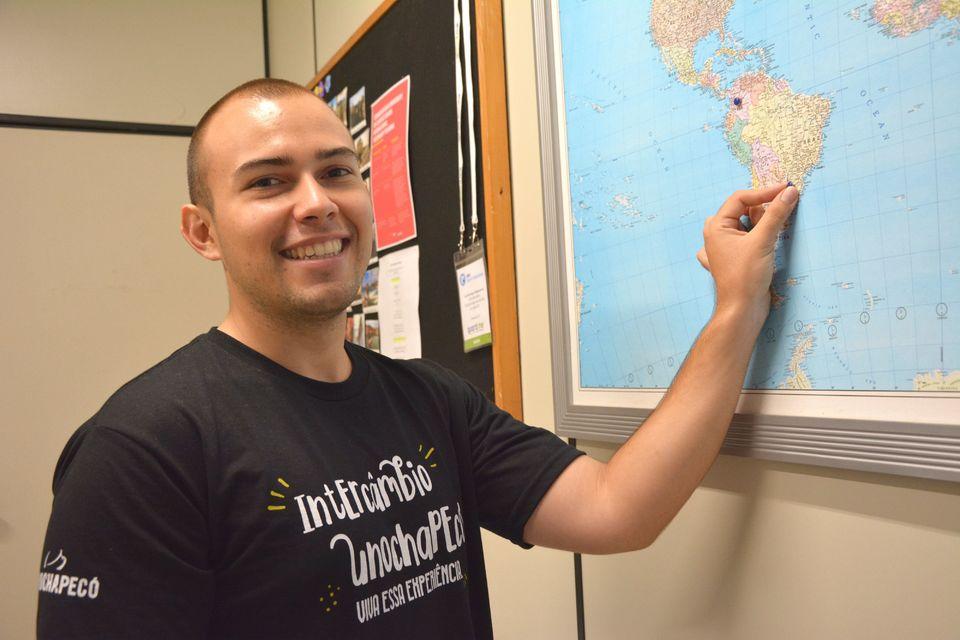 Alunos do exterior podem estudar e fazer estágio remunerado na Uno