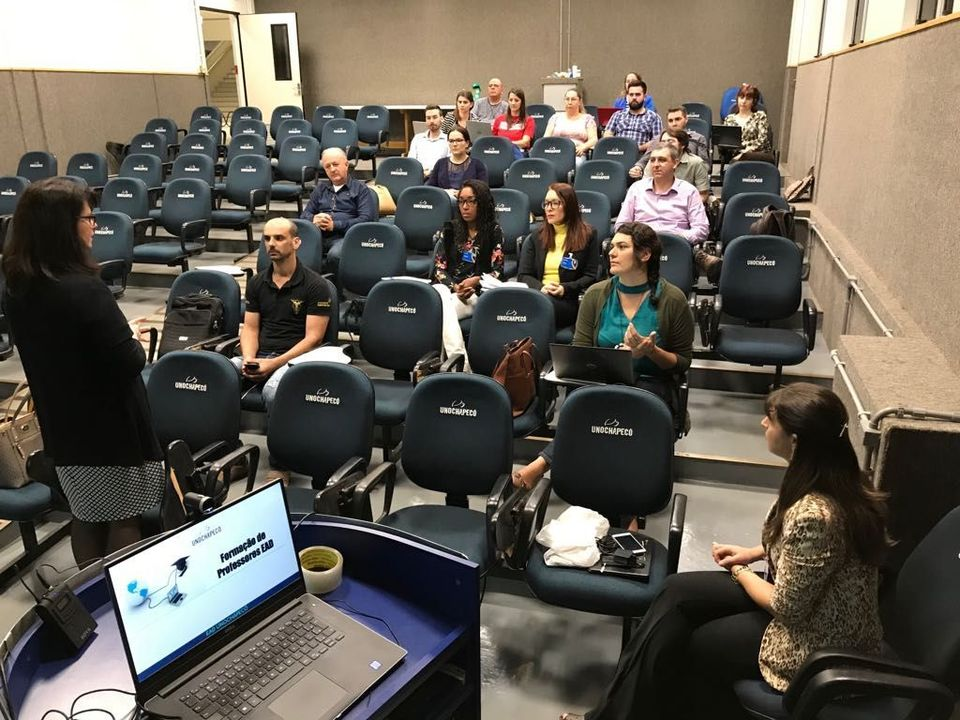Educação a Distância promove capacitação para docentes