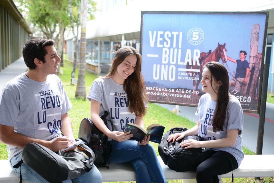 Escolha a Universidade nota máxima no MEC