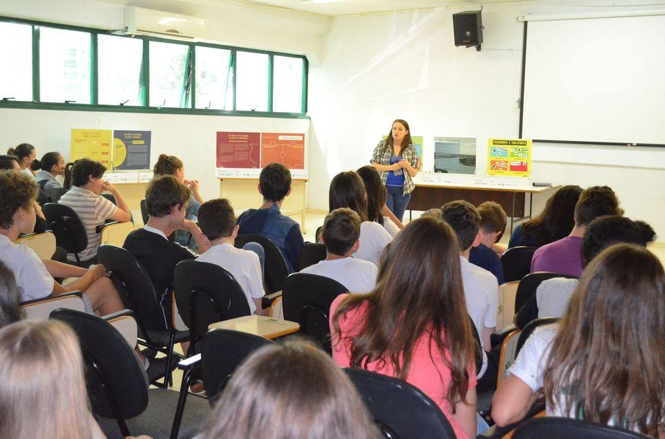 Audiovisual produzido pelo Ceom começa a circular nas escolas da região