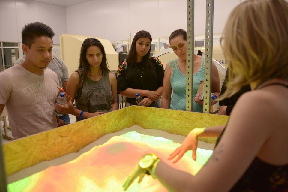 Futuros acadêmicos e familiares conhecem os cursos e a estrutura da Unochapecó