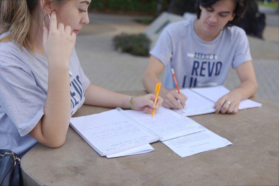 Unochapecó divulga lista dos beneficiados com bolsas de estudo