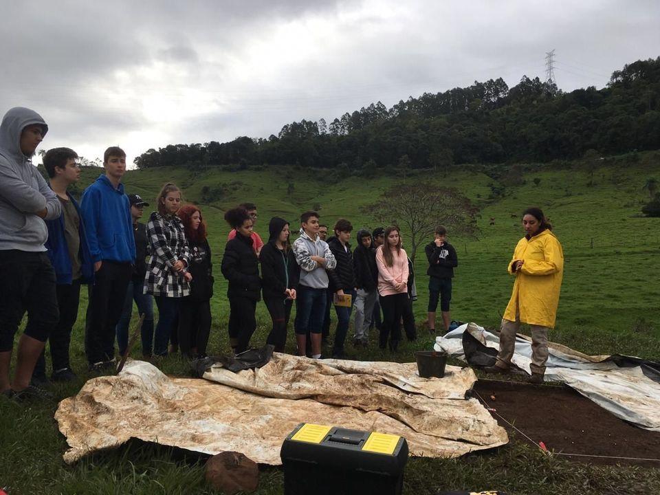 Ceom realiza visitação guiada a sítios arqueológicos