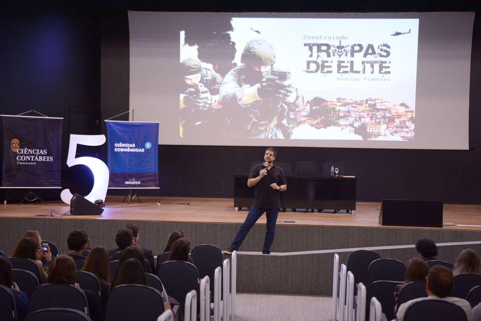 Evento Prime integra cursos de Ciências Contábeis e Econômicas