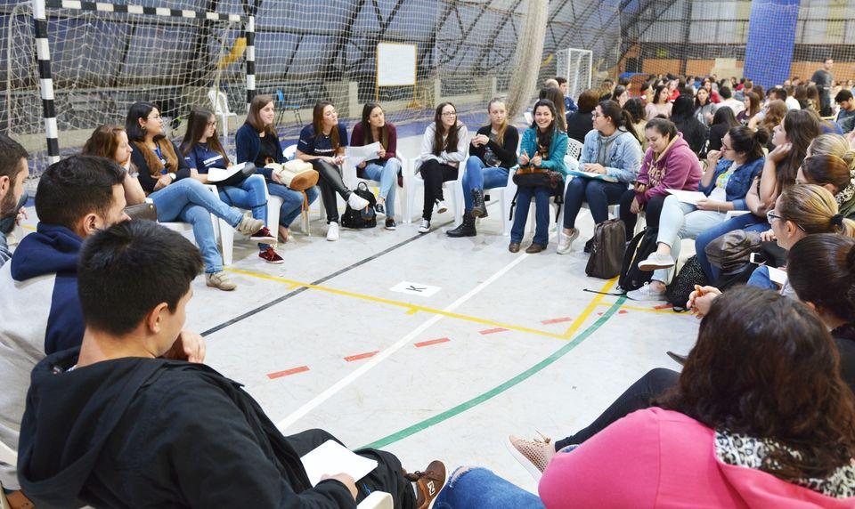 Etapa final do VIM reúne 300 estudantes para socializar experiências