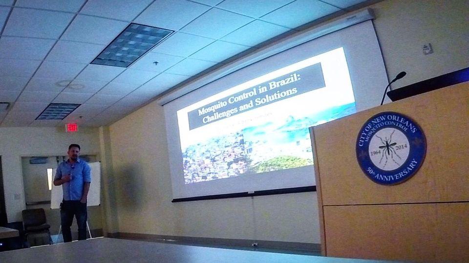 Professor da Uno estuda métodos de controle do mosquito da dengue nos EUA