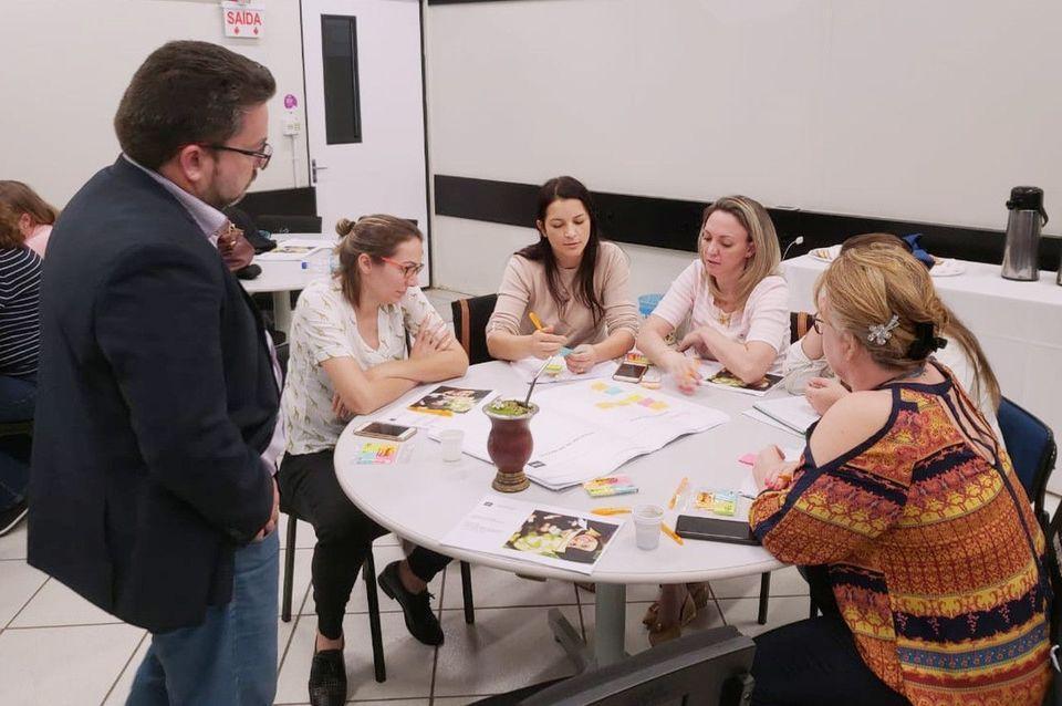 Professores da Uno recebem capacitação sobre o projeto TCC Startup