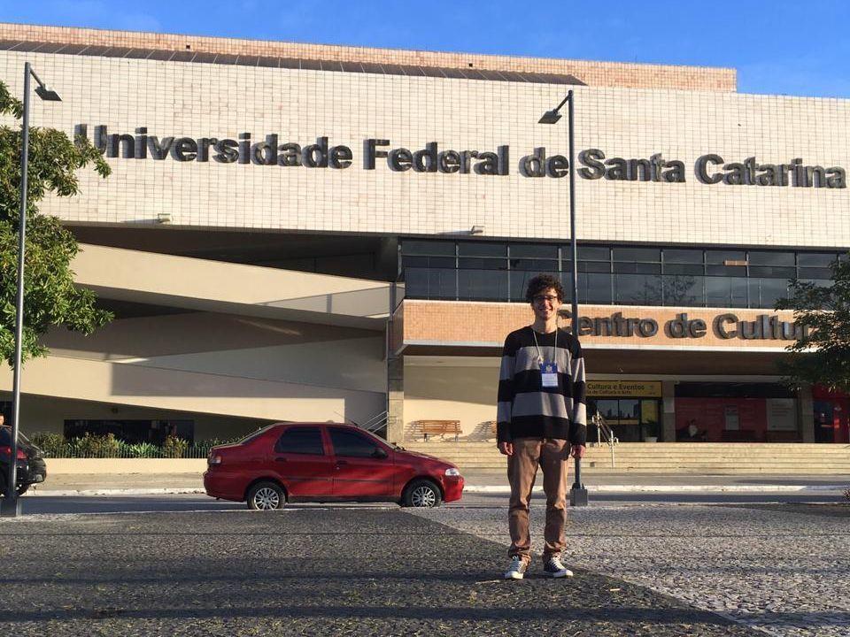 Acadêmico da Unochapecó participa do VI Curso de Inverno da UFSC