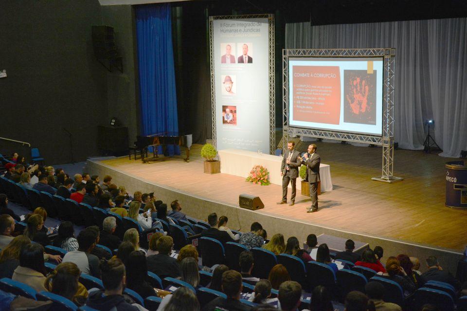 Fórum Integrado traz palestrantes renomados em três dias de evento