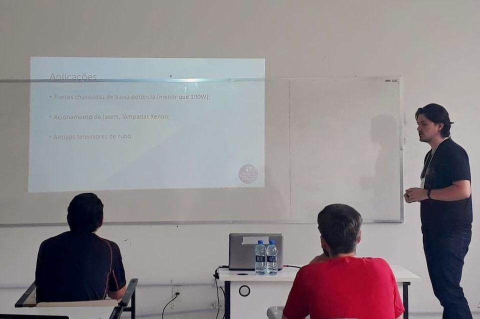 Acadêmico de Engenharia Elétrica da Uno é destaque na Semana de Ensino do IFC