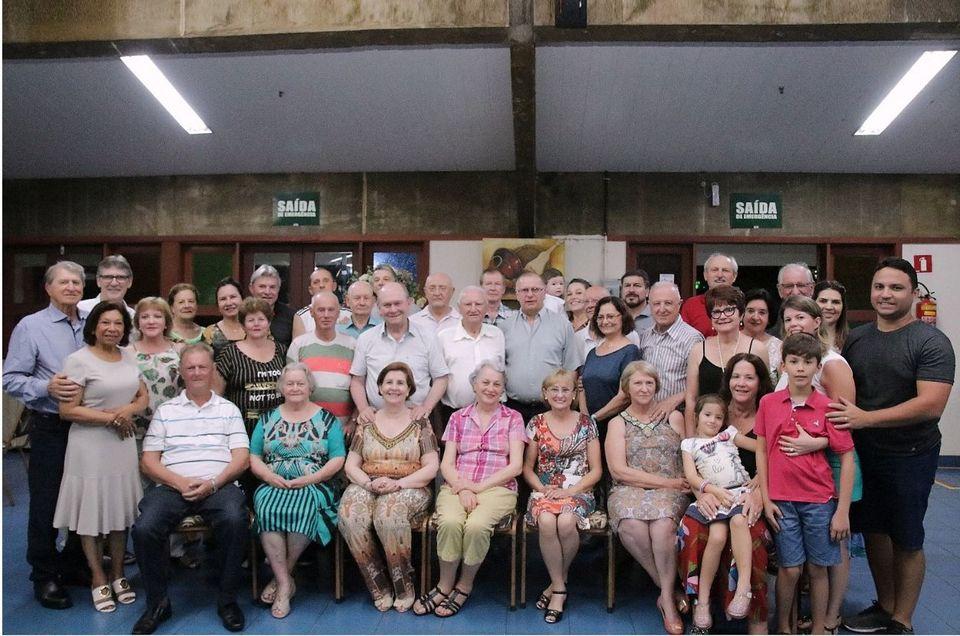 Egressos da primeira turma de Administração da Uno se reúnem em Cuiabá