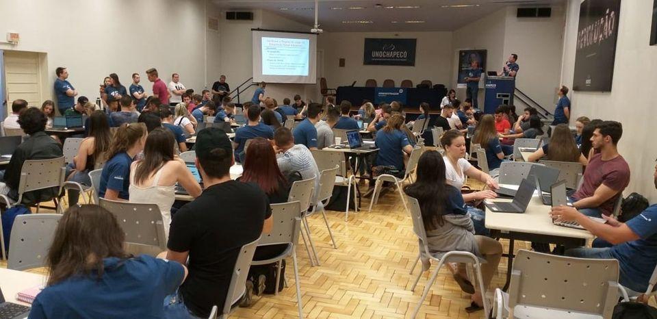 Sábado Integrado desafia estudantes de Administração à gestão de empresas