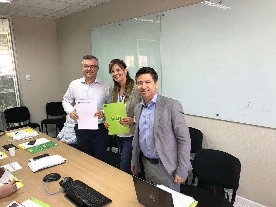 Termo firmado com a Casan beneficiará estudantes da Acafe