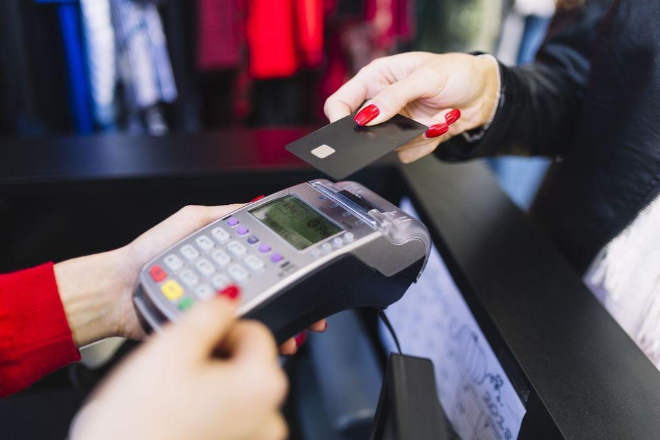 Fevereiro apresenta nova queda na confiança dos consumidores chapecoenses