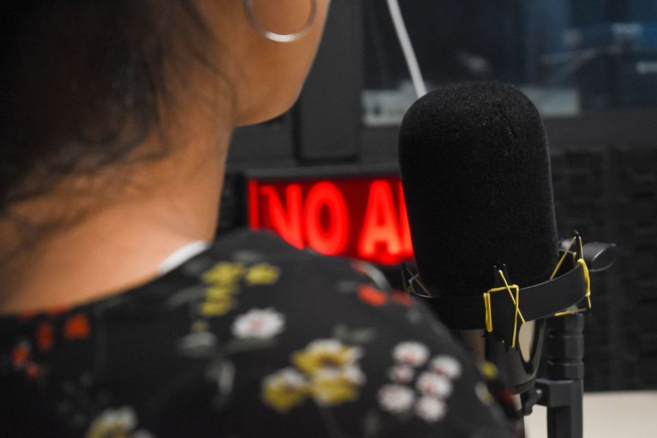 Aula inaugural de Jornalismo debate radiorreportagem com Marcos Meller