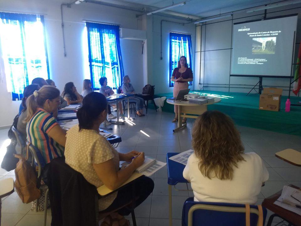 Coordenadores pedagógicos de Xaxim participam de atividade proposta pelo Ceom