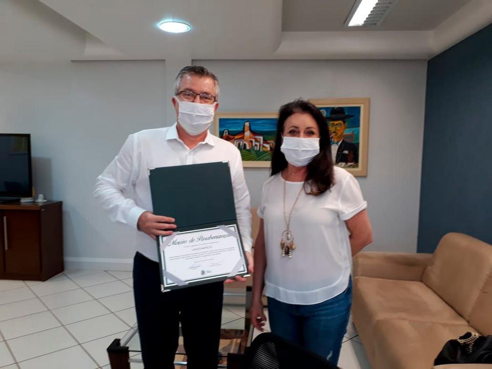 Fundeste/Unochapecó recebe moção de parabenização pelo seu cinquentenário
