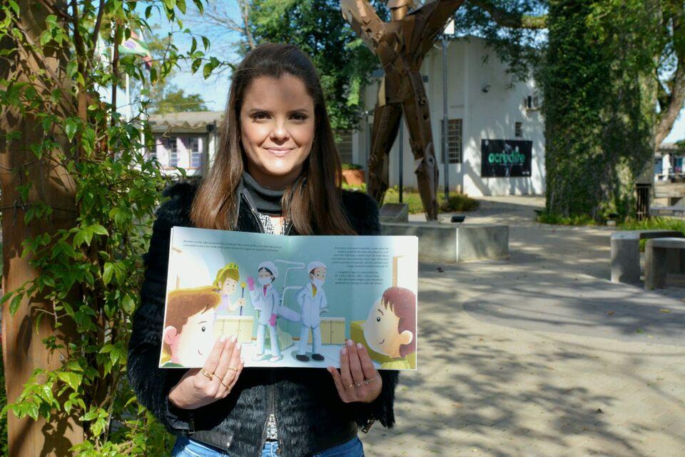 Livro de professora da Unochapecó concorre à maior premiação literária do Brasil