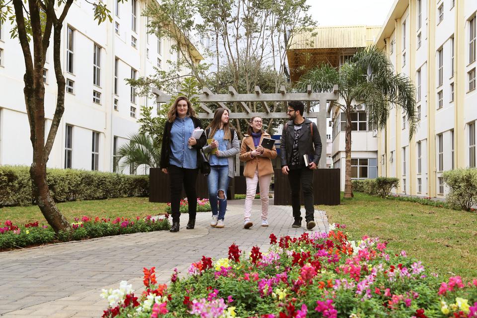 Fies e crédito estudantil são oportunidades para os estudantes da Unochapecó