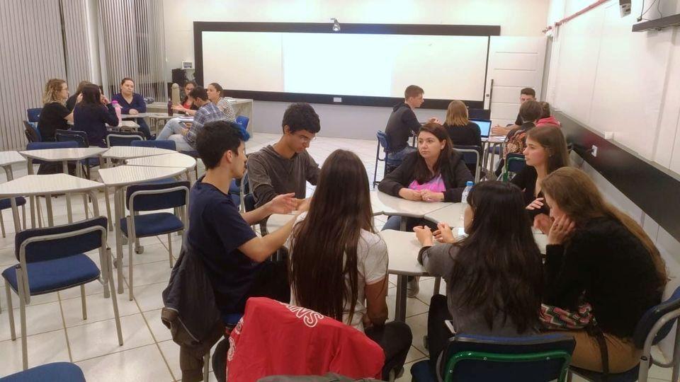 Disciplina reúne estudantes de cinco cursos em busca de soluções inovadoras