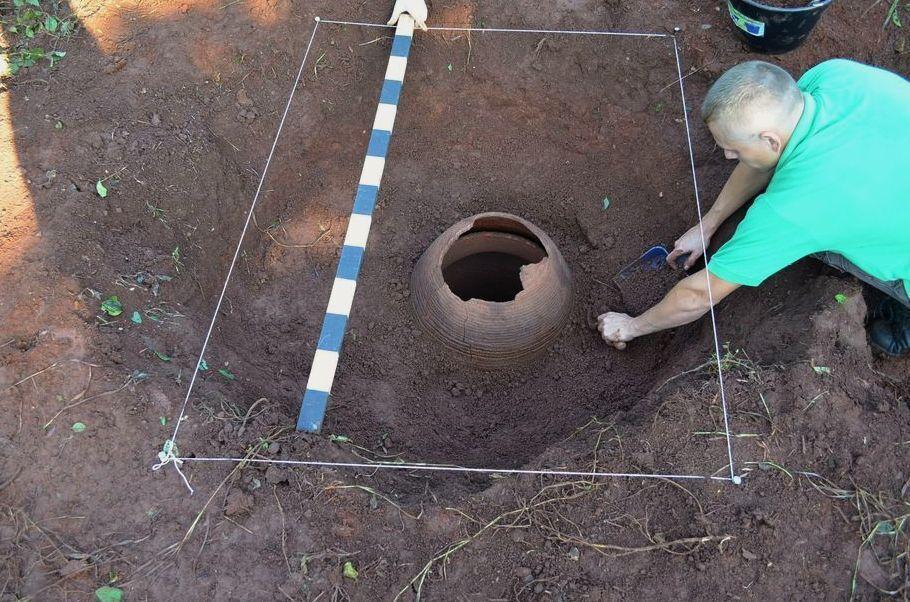 Como ocorre a proteção legal de achados arqueológicos?