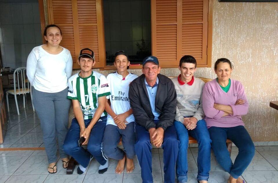 Estudantes de Agronomia vivenciam profissão em propriedades rurais de Alpestre