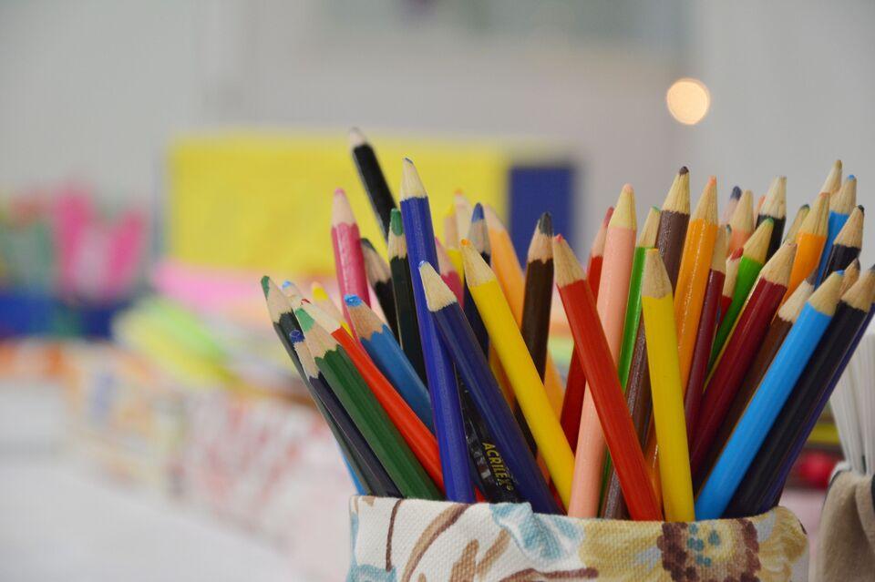 Curso de Pedagogia capacita 800 estagiárias que atuam em escolas de Chapecó