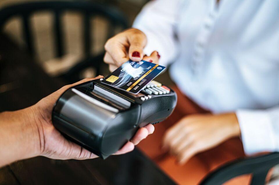 Melhora a confiança dos consumidores chapecoenses em abril