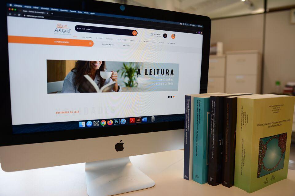 Editora Argos celebra 29 anos com nova plataforma on-line e descontos de até 75%