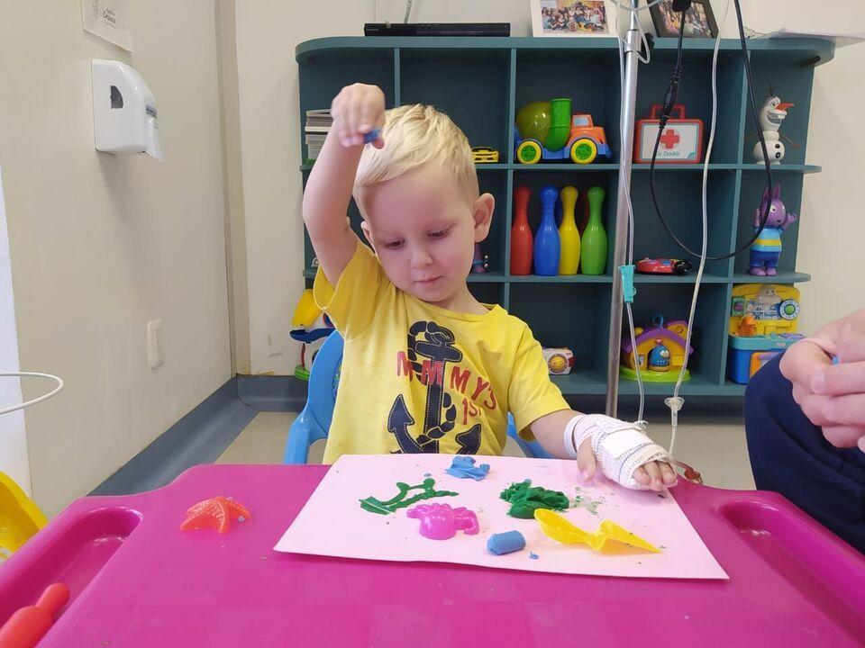 A reinvenção do brincar no hospital em tempos de pandemia