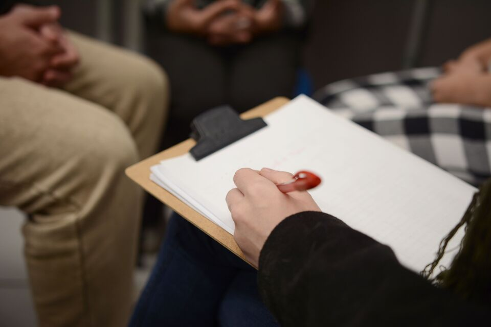 Projeto Ressignifica Maria dá início aos trabalhos com autores de feminicídio