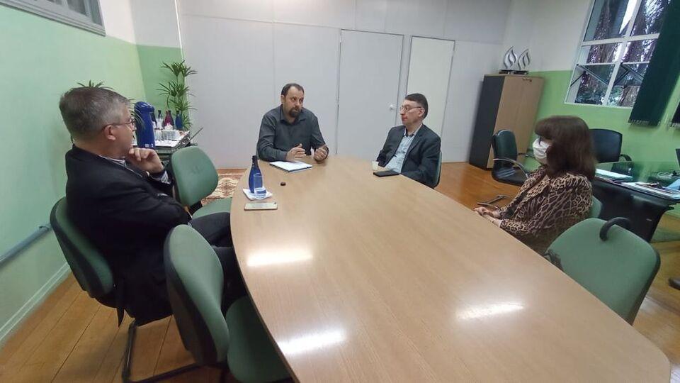 Reitoria da Unochapecó realiza reunião com dirigentes da UFFS